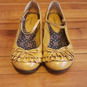 Mustard color short heel